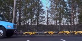Leger robothonden kan nu ook truck voorttrekken