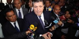 Oud-president schiet zichzelf neer bij arrestatie