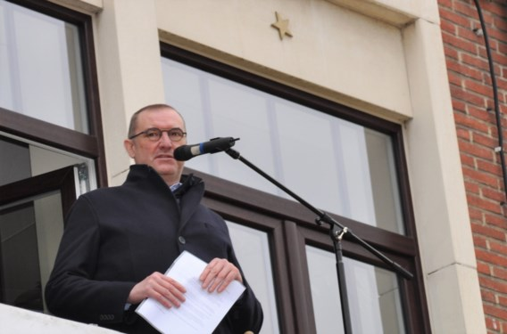 Burgemeester Waasmunster overleden