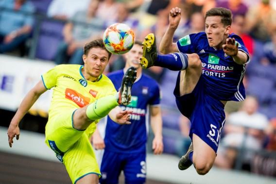 Anderlecht en Gent delen de punten na troosteloze 0-0