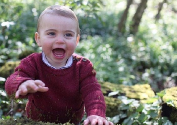 Brits hof geeft nieuwe foto's vrij van prins Louis