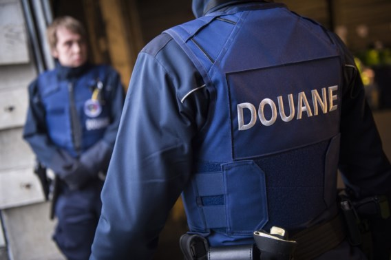 Douane ontdekt pak meer fraude met alcohol