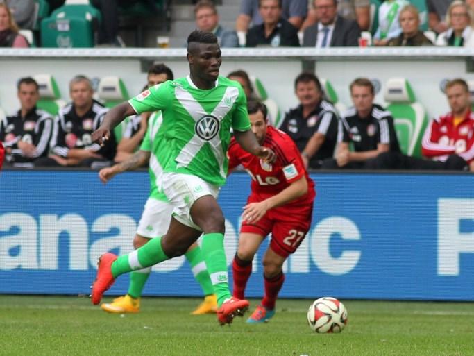 """Eerste speler die met nummer van Junior Malanda zal spelen bij Wolfsburg: """"Een hele eer"""""""