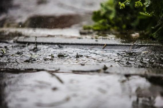 Perioden met regen en buien, kans op lokaal onweer