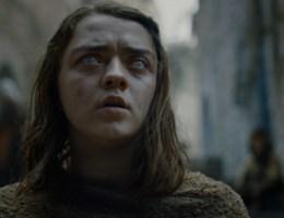 Van klein meisje tot ultieme vechtersbaas: dit is de weg van Arya Stark