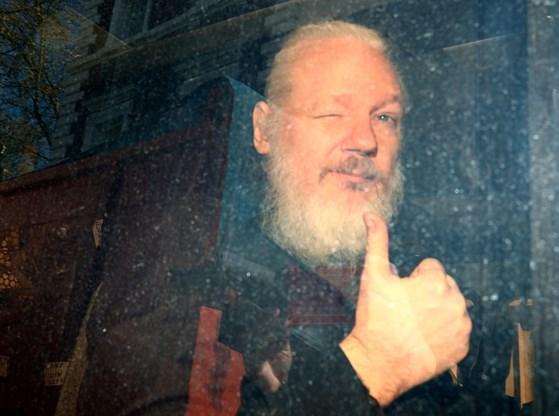 Julian Assange veroordeeld tot 50 weken cel in Londen