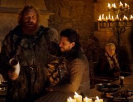 Koffiebeker in Game of thrones blijkt niet van Starbucks, kleine zelfstandige is boos