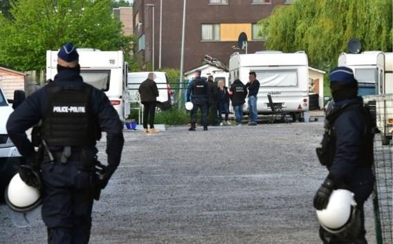 Twee agenten opgepakt in zaak autodieven