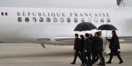 Macron verwelkomt gegijzelde burgers terug op Franse bodem