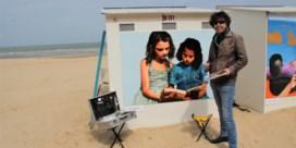 Strandcabines krijgen hun jaarlijkse kleurrijke make-over