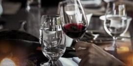 Restaurant schenkt per ongeluk fles wijn van 4.500 pond
