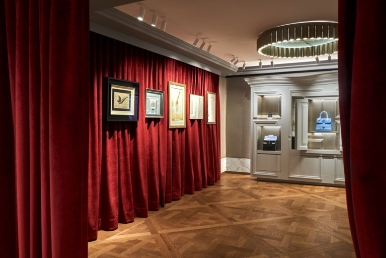 Delvaux pakt uit met minitentoonstelling Magritte