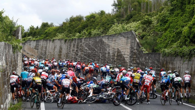 Italië boven in de Giro: Masnada de ritzege, Conti de roze trui