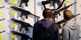 Zwitsers stemmen zondag over wapenwet