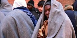 FACTCHECK.  'We vangen al een vierde van de erkende vluchtelingen op, samen nagenoeg zesduizend mensen'