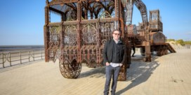 Wim Delvoye verhuist kunstwerk van Melle naar zeedijk van Middelkerke