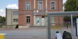 Gemeente sluit wifi af nadat jonge asielzoekers verzamelen rond hotspots