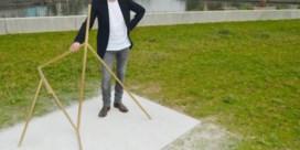 Kunstenaar onthult omstreden sculptuur 'Day 9' aan Scheldekop
