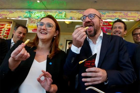 Blauwe mayonaise op Belgische frieten: 'Nu nog een <I>doener </I>kebab'
