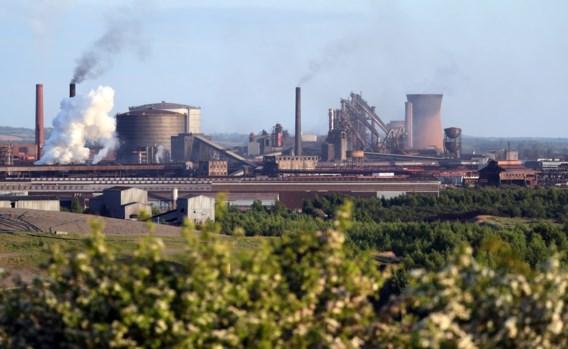 Britse staalreus British Steel over de kop