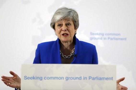 Theresa May lijkt naast allerlaatste kans op Brexit-deal te grijpen