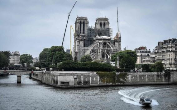 Notre Dame kan instorten bij windvlaag