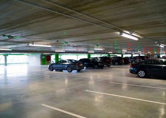 Brussel schaft reservatie vaste parkeerplaatsen af