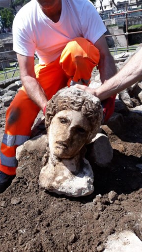 Oude Romeinse godin gevonden vlakbij het Colosseum