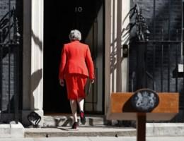 Theresa May: een verhaal van meedogenloze rivalen en blunders
