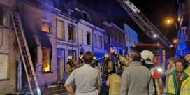 Uitslaande brand vernielt drie huizen in Geraardsbergen