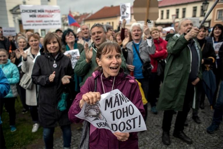 Tsjechen komen op straat om te protesteren tegen regering
