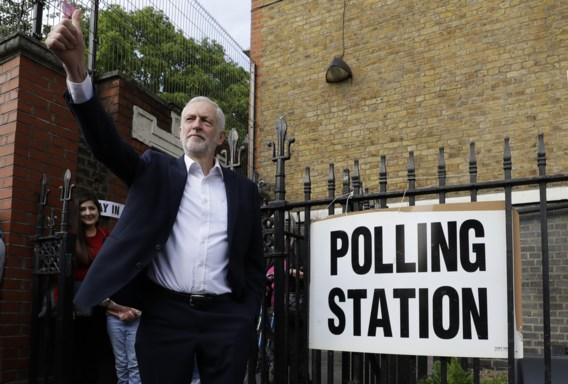 Corbyn pleit voor vervroegde verkiezingen of nieuw referendum: 'Terugkeren naar volk is enige uitweg uit Brexit-crisis'