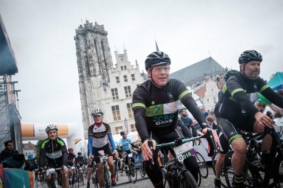 Wielrenners doorkruisen Vlaanderen voor Kom op tegen Kanker