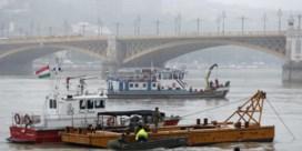 Zeker zeven doden en negentien vermisten nadat toeristenboot zinkt in Boedapest
