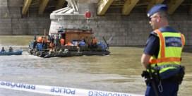 Lichaam gevonden in Donau honderd kilometer van plek waar toeristenboot schipbreuk liep
