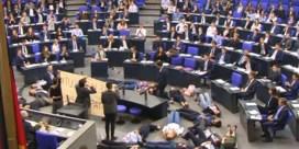 Klimaatjongeren verstoren zitting Duits parlement