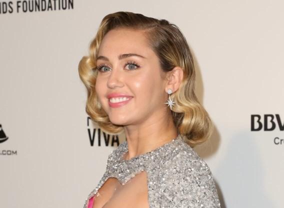 Miley Cyrus en Marc Jacobs brengen speciale hoodie op de markt