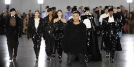 Balmain showt kleren tijdens gratis festival