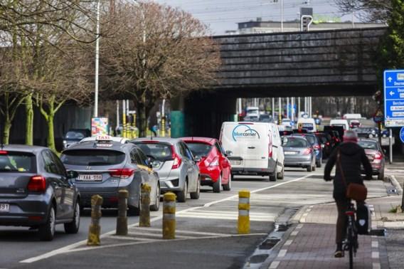 Jogger (73) in levensgevaar na aanrijding in Antwerpen
