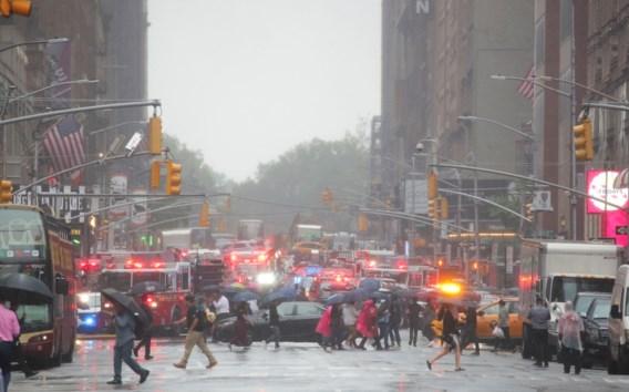 Helikopter stort neer op wolkenkrabber in New York