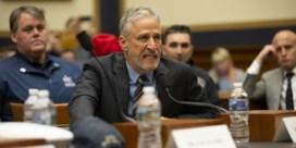 Komiek Jon Stewart razend op Congres bij hoorzitting over 9/11