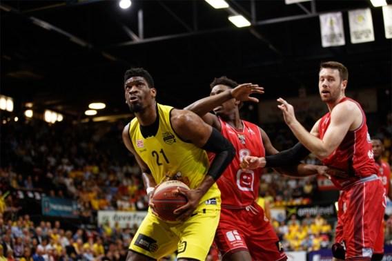 Oostende houdt Antwerp Giants af en is voor achtste keer op rij Belgisch kampioen basketbal