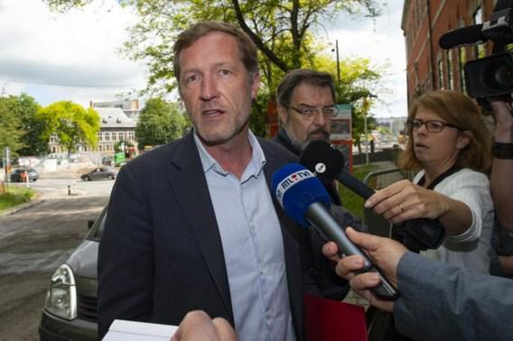 Magnette stelt noodregering voor van één jaar