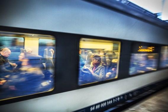 Hele dag geen treinen tussen Sint-Niklaas en Temse door bliksem
