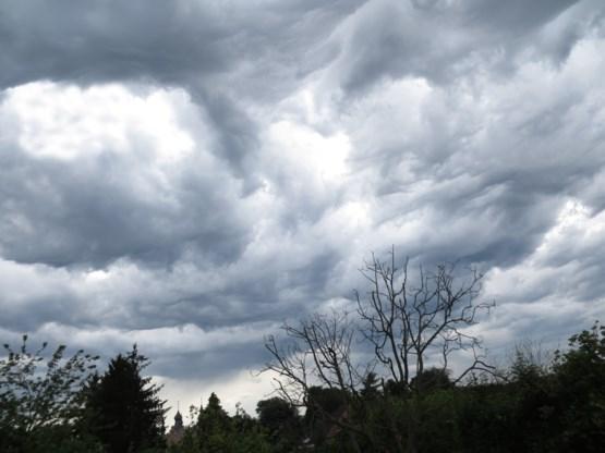 KMI kondigt code geel af: 'Kans op onweer in het hele land'