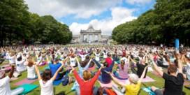 Samen zen worden: duizend mensen doen aan yoga in Jubelpark