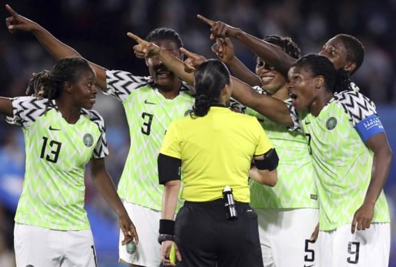Frankrijk groepswinnaar op WK Vrouwenvoetbal… met dank aan videoref