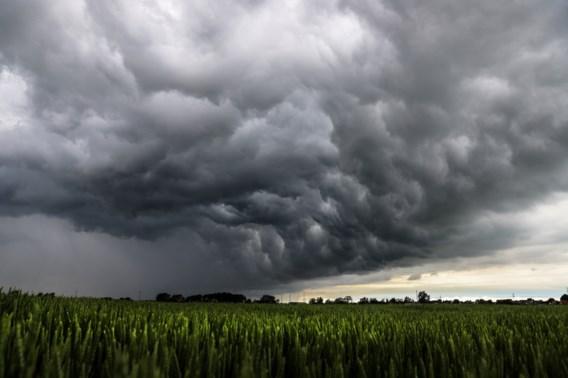 Onweerachtige woensdag op komst, windstoten en hagel verwacht