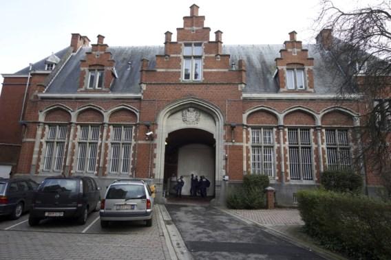 Gedetineerden kruipen op dak van gevangenis Oudenaarde