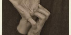 'Georgia O'Keeffe: Hands' (1919)